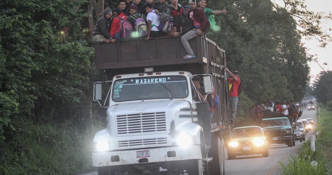 Van civiles armados de EU contra caravanas