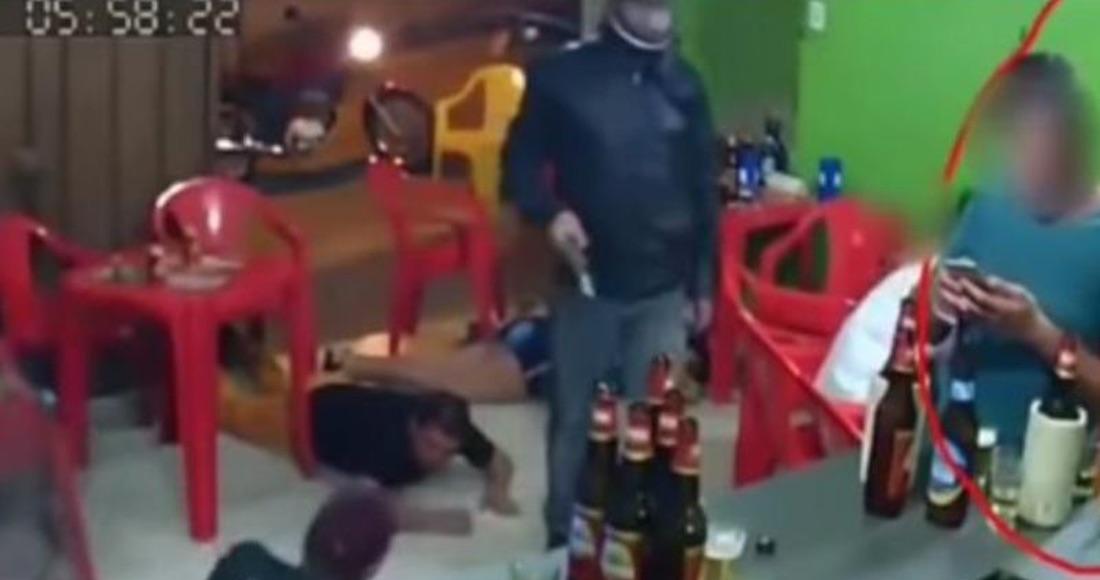 Policía mata por accidente a su amigo y se pega un tiro