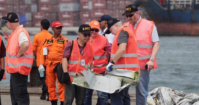 Avión caído en Indonesia tuvo problemas en sus últimos 4 vuelos