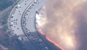 incendio-carretera-california