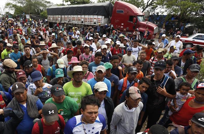 Civiles armados de EEUU anuncian que detendrán a la caravana de migrantes
