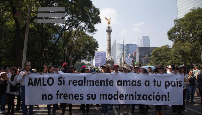 Con protesta, exigen a AMLO la construcción del NAIM en Texcoco