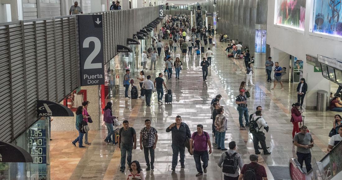 Resultado de imagen para Un mexicano es detenido en el Aeropuerto de la CdMx por abusar de una menor de EU