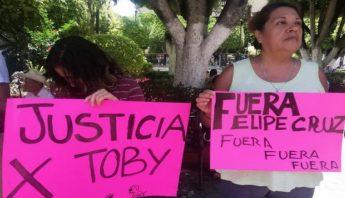 toby-protesta