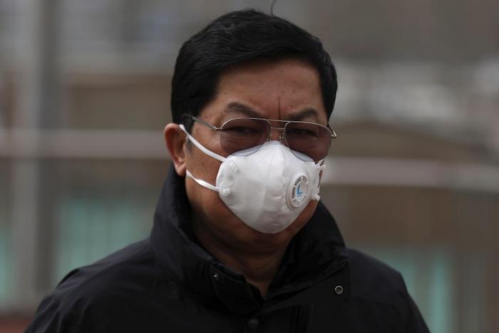 Las autoridades chinas decidieron hoy a cerrar todos los transportes en Wuhan, ciudad de 11 millones de habitantes donde comenzó el brote de neumonía que hasta el momento ha dejado al menos 17 muertos. Foto: EFE
