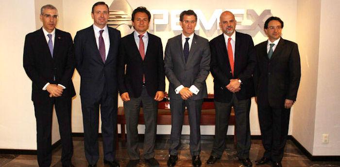 Feijóo y el conselleiro de Economía, en 2014, en México con directivos de Pemex, entre ellos los ahora investigados por corrupción: Carrera Panizzo -primero por la derecha-, Roa -a su lado- y Lozoya -a la derecha de Feijóo. Foto: Xunta