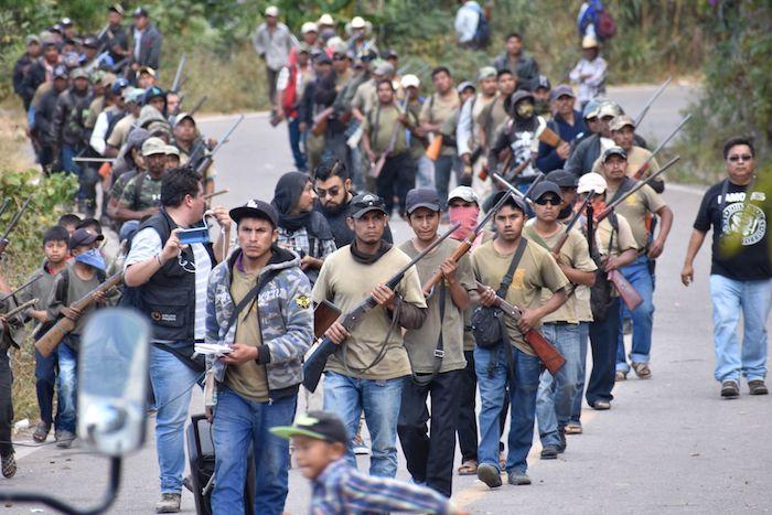 Habitantes de la localidad de Alcozancán, municipio de Chilapa de Álvarez, en el estado de Guerrero. Foto: Dassaev Téllez, Cuartoscuro
