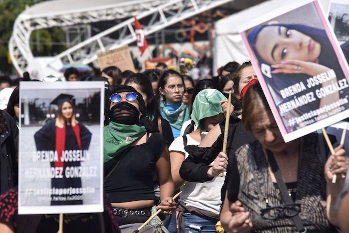 protesta-de-mujeres-por-los-feminicidios-em-México
