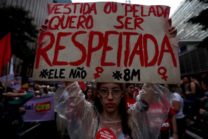 Miles de mujeres protestan con motivo del Día Internacional de la Mujer en Brasil. Foto: Fernando Bizerra, EFE