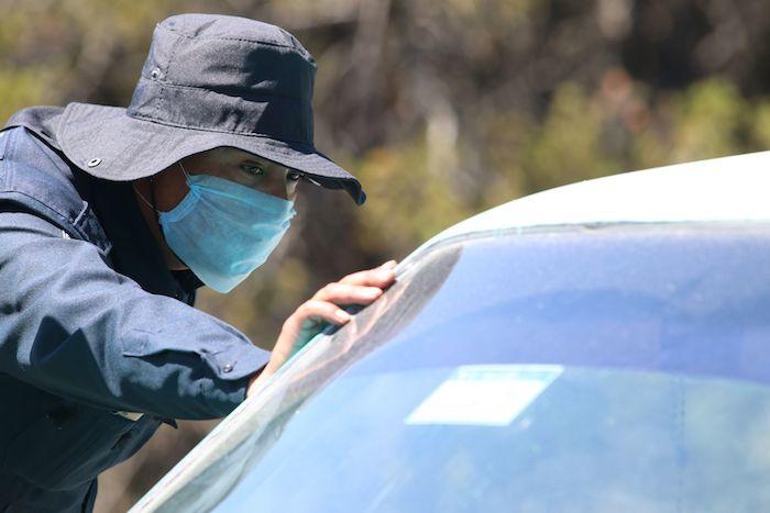 Habitantes de San Antonio de las Alazanas, Coahuila, decidieron cerrar los accesos a su pueblo a fin de evitar que turistas o personas extrañas ingresen a su territorio ante el temor de resultar infectados del COVID-19.