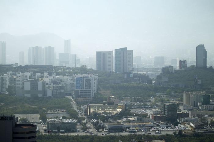 Monterrey, Nuevo León, con contaminación atmosférica. Foto; Cuartoscuro