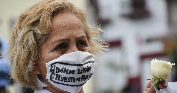 Madre en búsqueda de su hijo pese a la pandemia.