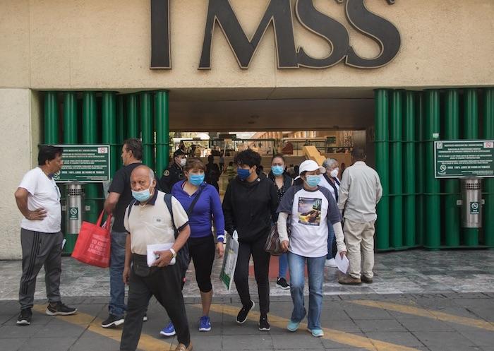 MÉDICOS-RESIDENTES-IMSS