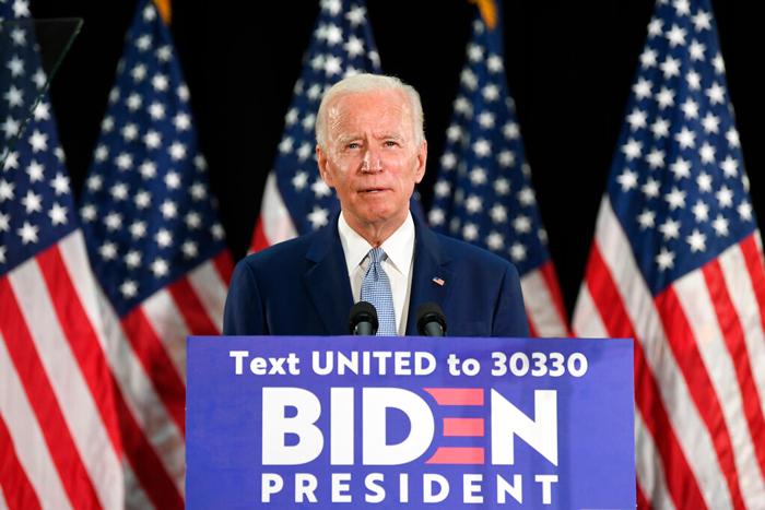 """Debido a la impopularidad de Trump, grupos """"indecisos"""" se inclinarían por Joe Biden antes que por el Presidente Donald Trump.  Foto: Susan Walsh, AP"""