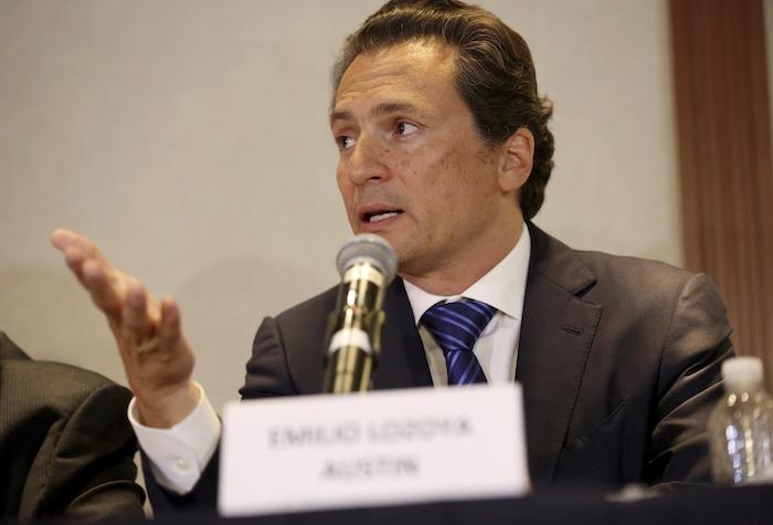 Fotografía de archivo del 17 de agosto de 2017 de Emilio Lozoya, exdirector de la estatal Petróleos Mexicanos, dando una conferencia de prensa en la ciudad de México.