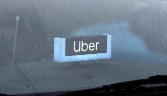 uber-letrero-auto