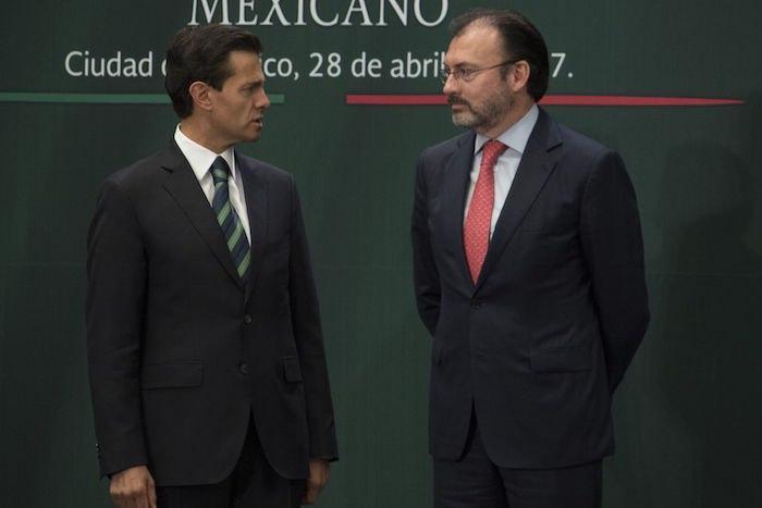 Emilio Lozoya, exdirector de Pemex, denunció al expresidente Enrique Peña Nieto y a Luis Videgaray, exsecretario de Hacienda, por su presunta participación en esta trama de corrupción y por autorizar sobornos.