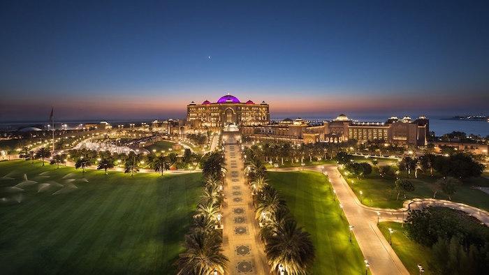 En este hotel con más de un kilómetro de playa y ostentosa decoración parece haberse hospedado el monarca español, según algunas informaciones publicadas en la prensa.