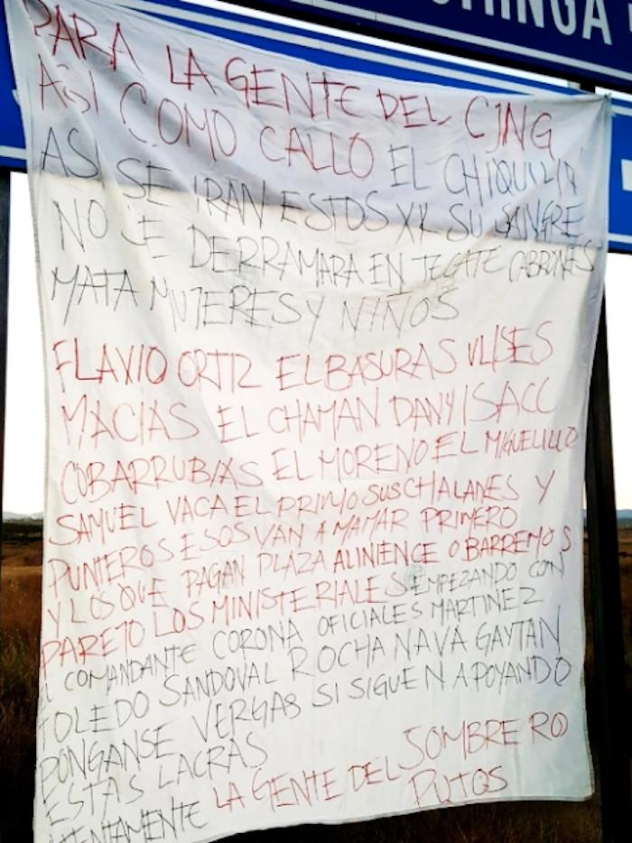 Como parte de la pugna interna, la mayoría de los operadores cercanos a Moreno fueron expuestos en un texto escrito sobre una sábana, colgada la mañana del martes 7 de julio en un anuncio vial, a la altura del poblado Loma Toba, sobre la carretera federal Tecate-Mexicali.