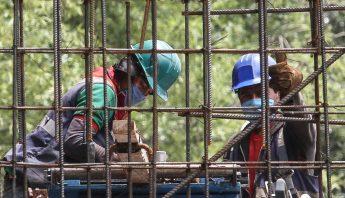 empleo-construccion-trabajadores-cubrebocas-mexico