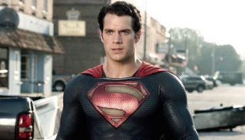 henry-cavill-usaria-el-traje-plateado-de-superman